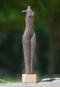 Stehende 2 Terracotta H: 35 cm • 2001