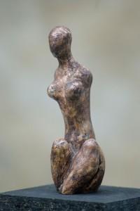Hockende Terracotta H: 35 cm • 2001